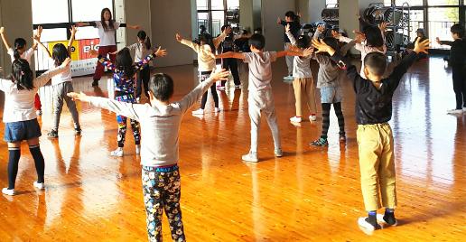 キッズダンス(年長~小学2年)